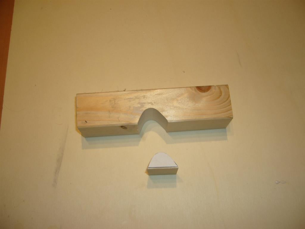 124 Tragfläche - Schleifschablone Nasenleiste (Medium)